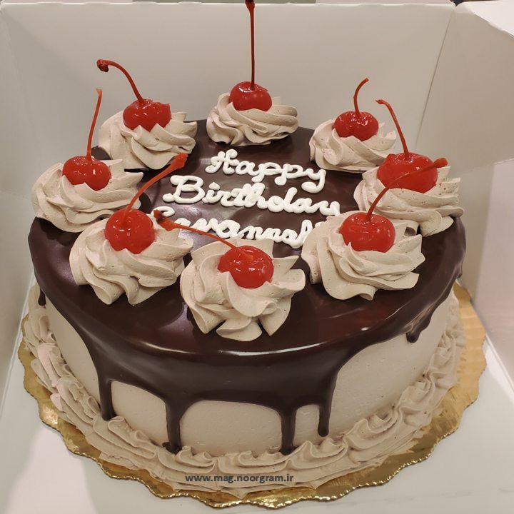 کیک شکلات و میوه
