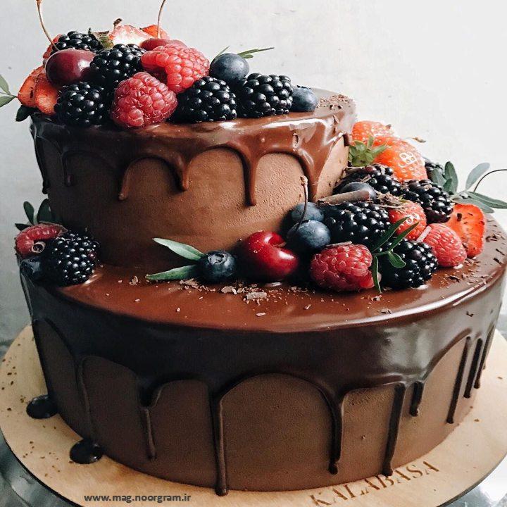 کیک شکلاتی دو طبقه