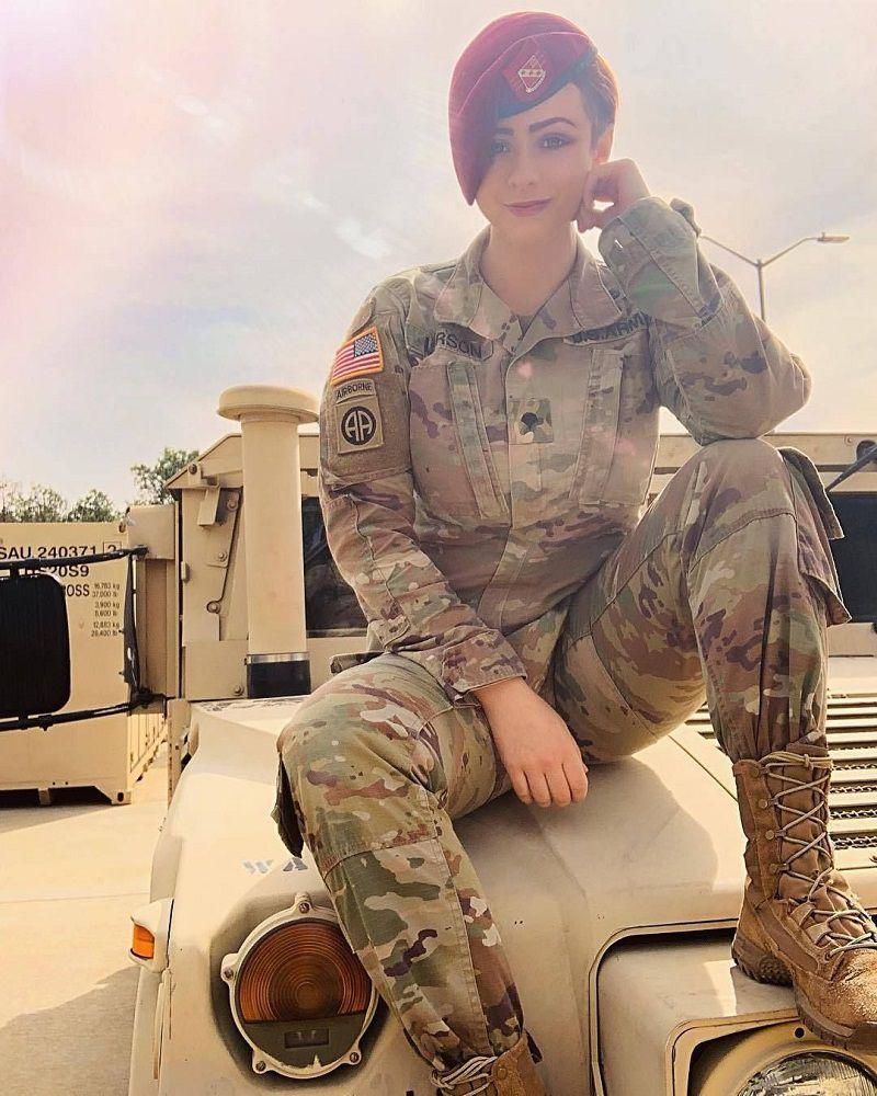عکس زنان زیبای نظامی