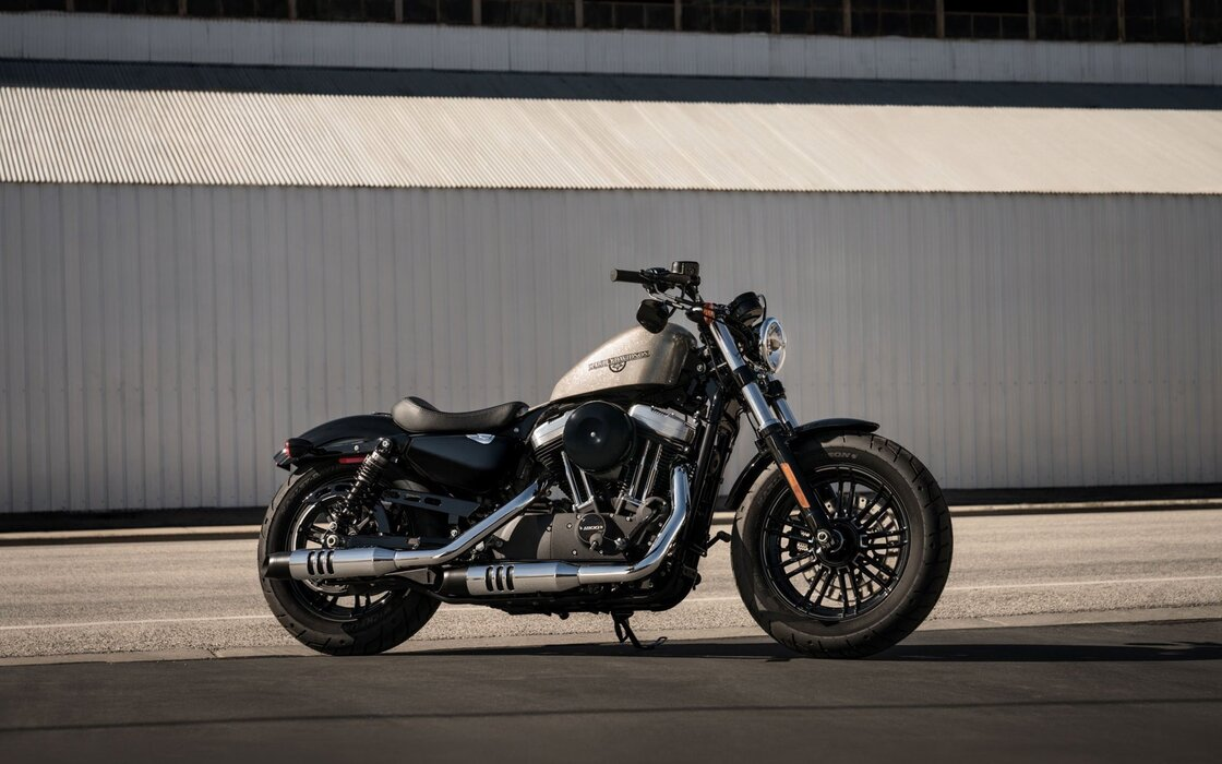 harley-davidson-forty-eight-2020-side-view-american-motorcycles-new-silver-forty-eight- .jpg