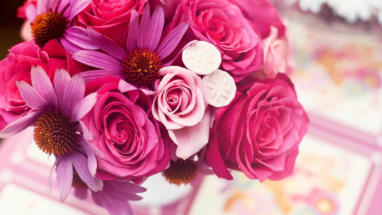 تصویر زمینه گل (2).jpg
